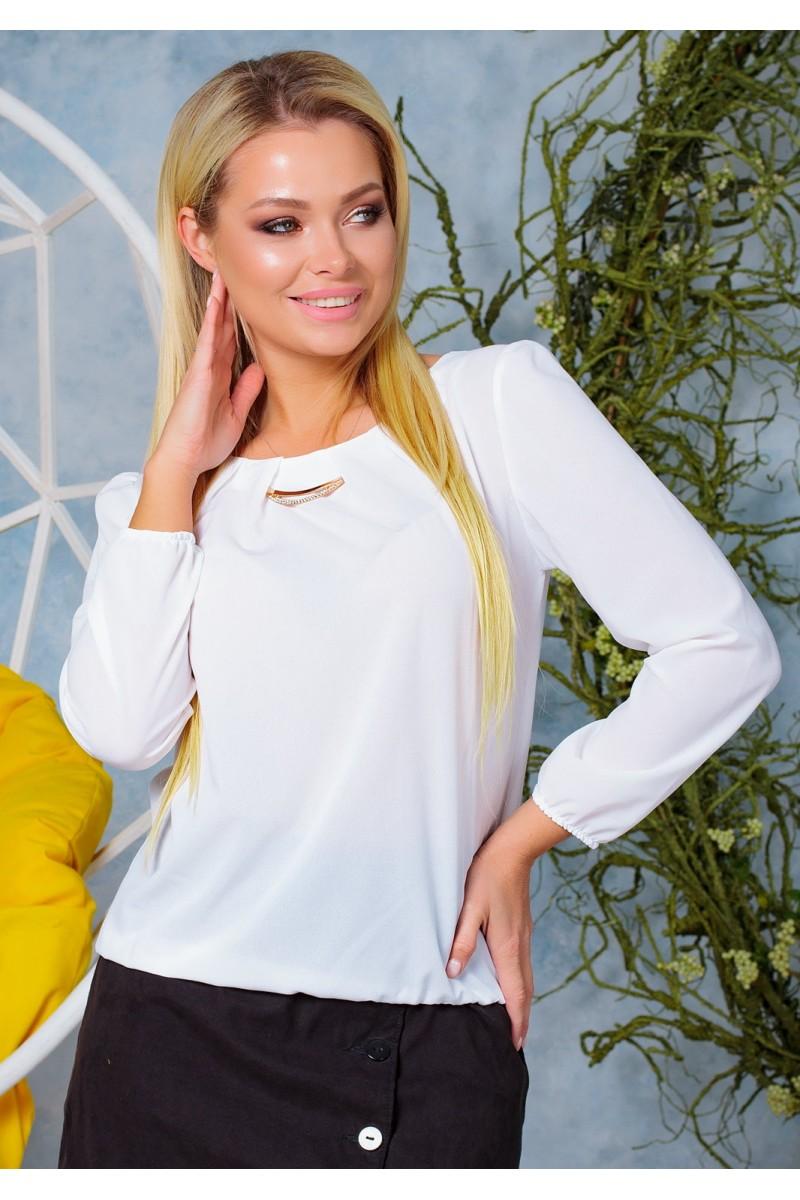 Жіноча красива блузка з шифону на резинці весняна біла