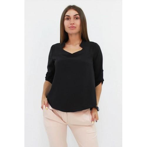Стильна жіноча блузка вільного крою кольору чорна
