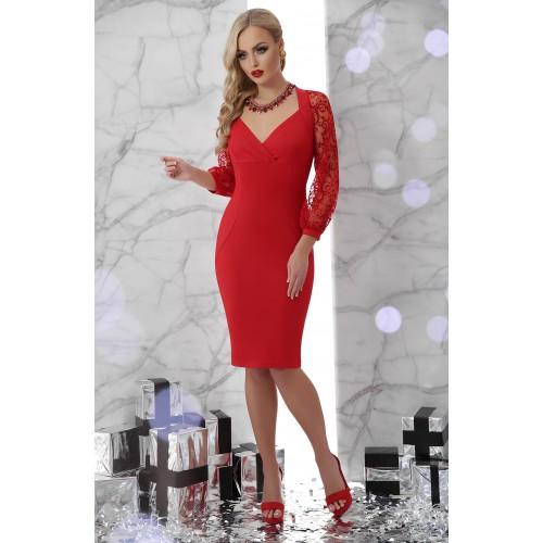 Червона сукня з декольте і гіпюровими рукавами