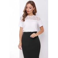 Блуза з коротким рукавом і мереживом біла