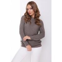 В'язаний жіночий светр з ажурними елементами на плечах кавовий