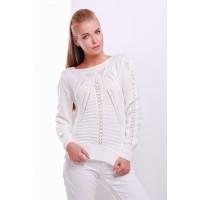 Нарядний жіночий светр з вирізом лодочка молочний